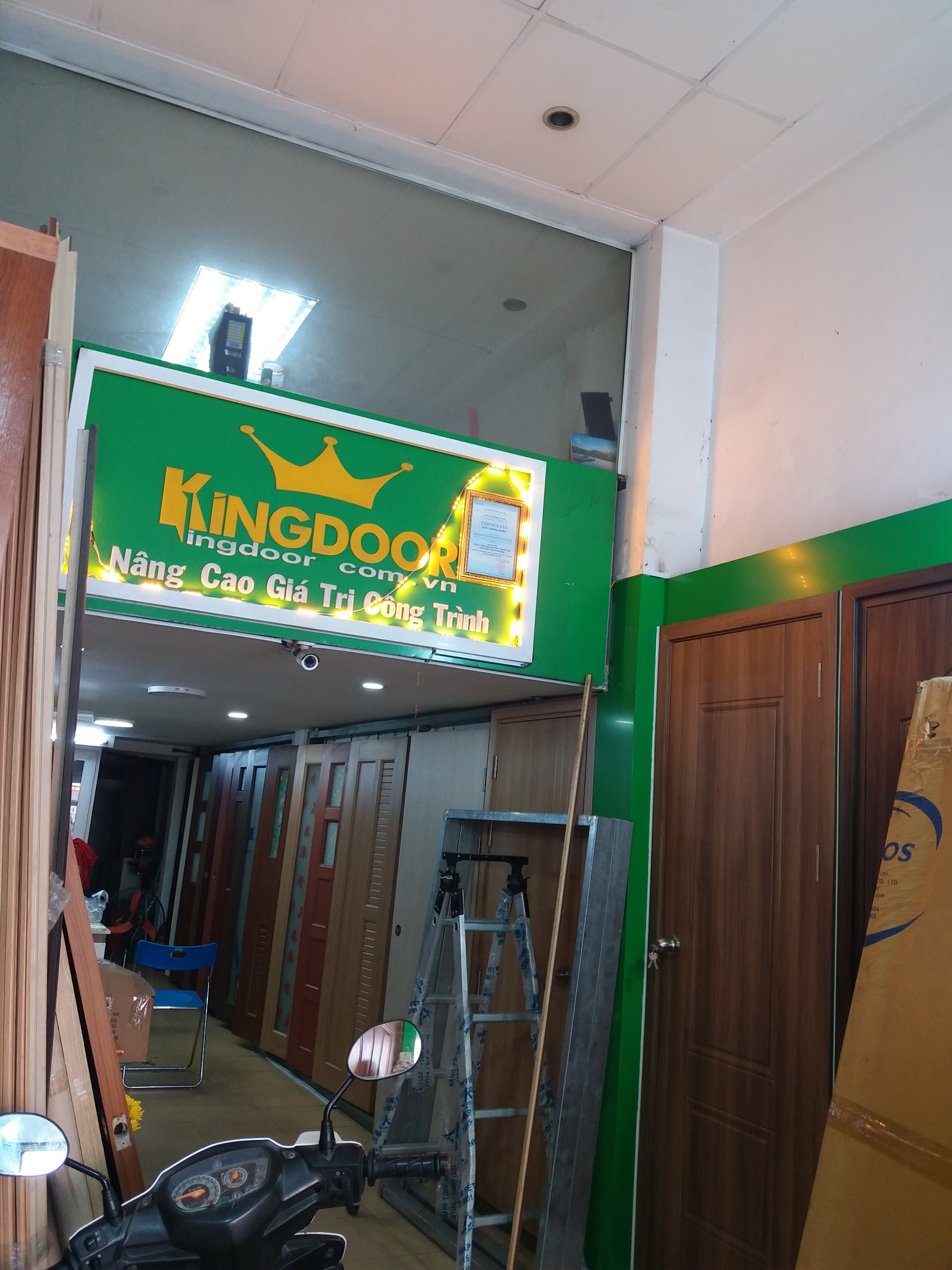 showrom kingdoor 297 bạch Đằng
