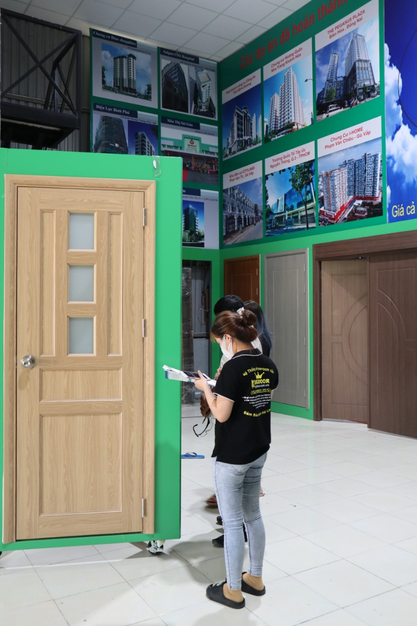 Cửa Nhựa Đài Loan