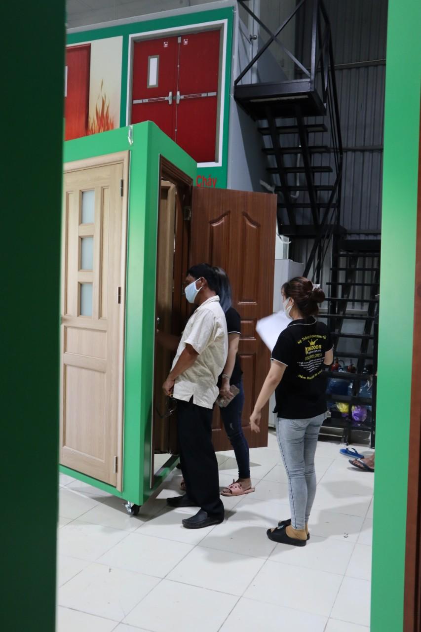 Quy Trình Thi Công Và Lắp Đặt Cửa Nhựa Cửa Gỗ Của KingDoor